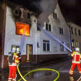 Wohnhaus brennt in Itzehoer Innenstadt
